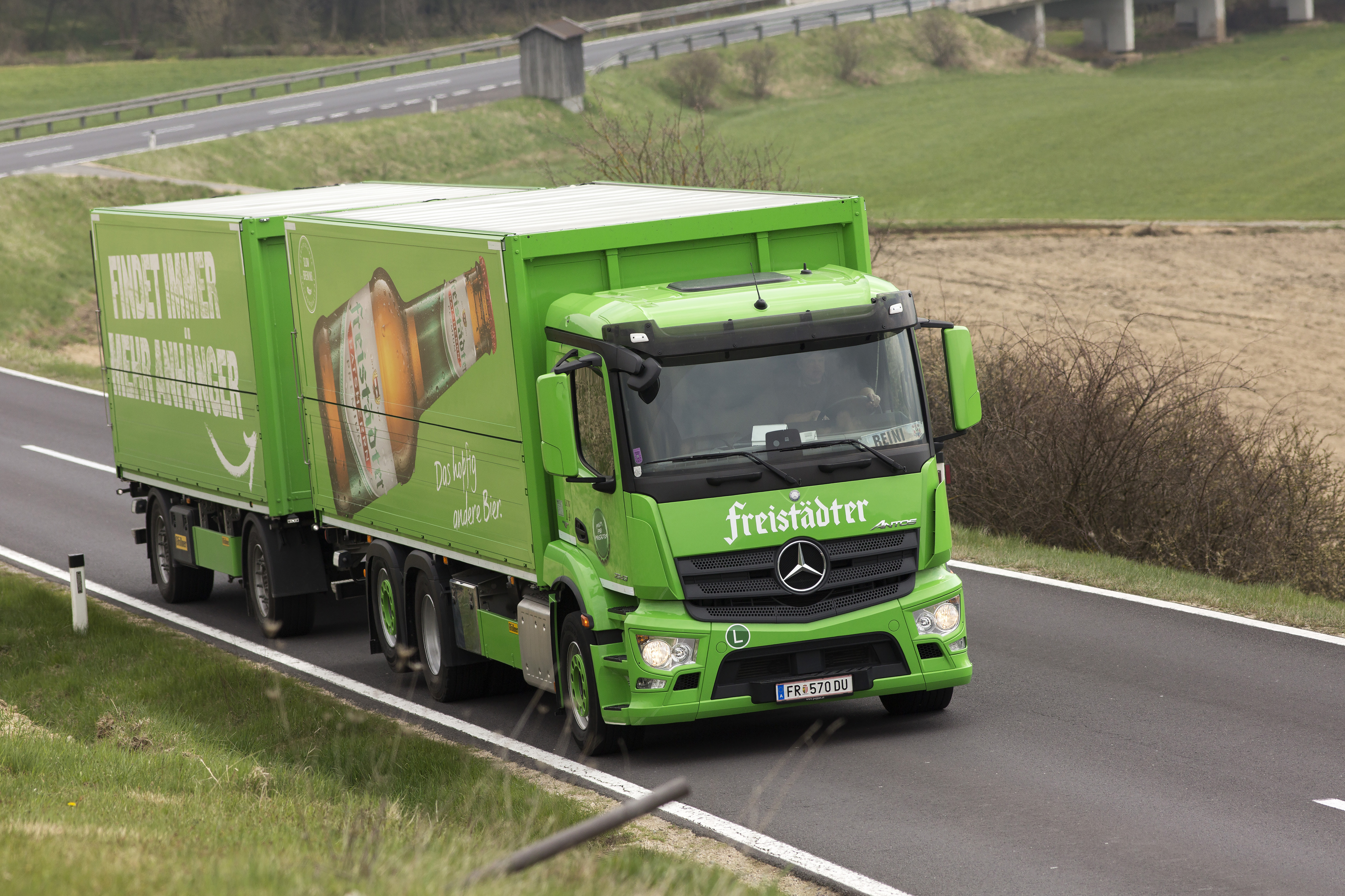 Braucomune Freistadt setzt auf Mercedes Benz Lkw